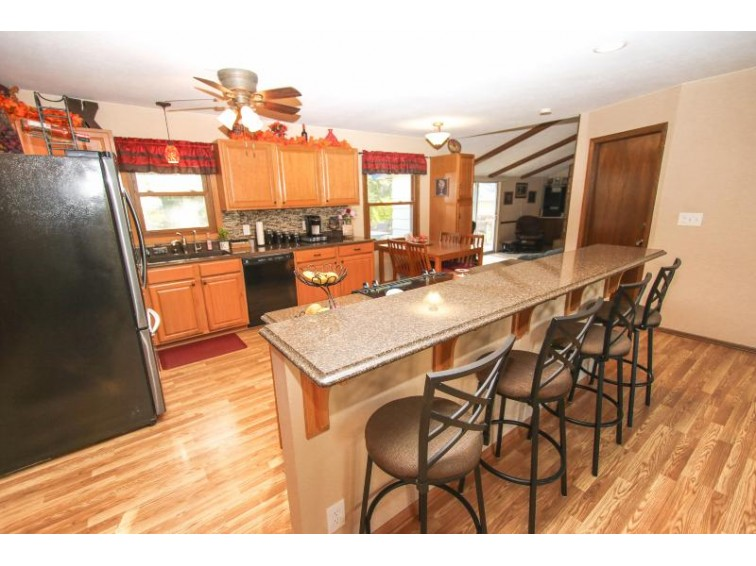 N99W16981 Chick A Dee Ct, Germantown, WI by Coldwell Banker Homesale Realty - Wauwatosa $289,000