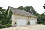 N4W30625 Maplefields Path, Waukesha, WI by First Weber Real Estate $799,900
