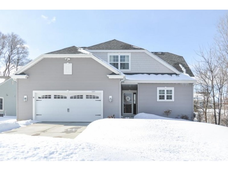 5405 S 44th Ct Greenfield, WI 53220-5135 by Exsell Real Estate Experts Llc $329,900