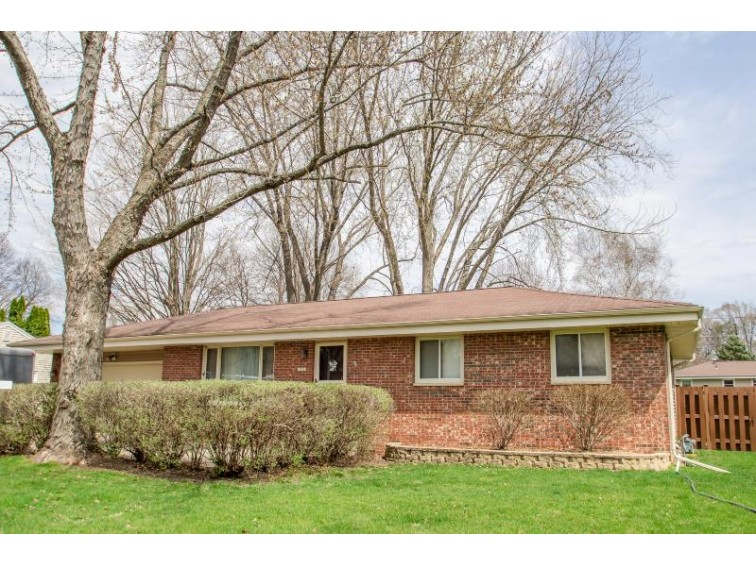 1217 Douglas Ave, Watertown, WI by Realty Executives Platinum $189,900