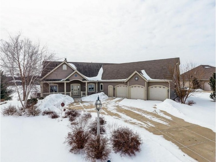 387 Still Water Ct, Dousman, WI by Realty Executives Integrity~brookfield $460,000