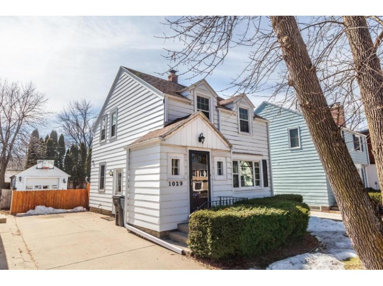1029 E Colfax Pl, Whitefish Bay, WI by Keller Williams Realty-Milwaukee North Shore $249,900