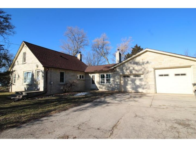 W232N6093 Waukesha Ave, Sussex, WI by Realty Executives - Integrity $189,900