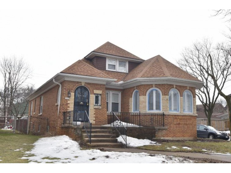 2802 N 55th St, Milwaukee, WI by Keller Williams Realty-Milwaukee North Shore $199,900