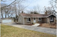 405 Carriage Dr