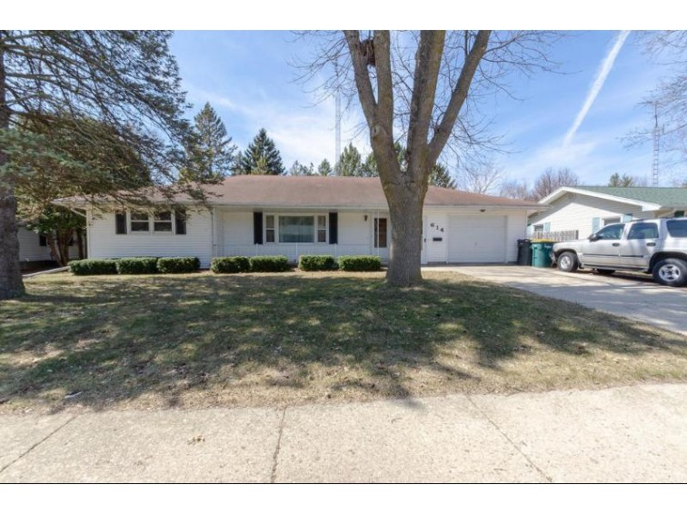 614 Mary St, Beaver Dam, WI by Homestead Realty, Inc~milw $158,900