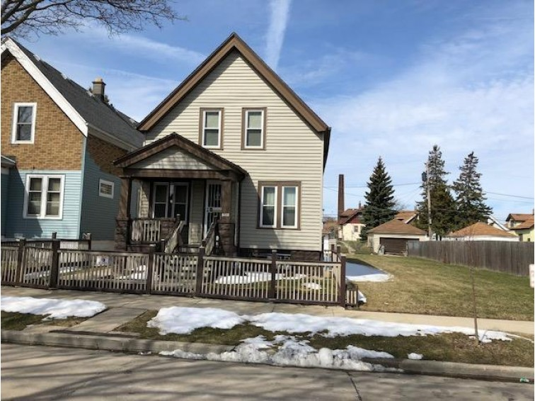 3725 N 22nd St, Milwaukee, WI by Homestead Realty, Inc~milw $45,000