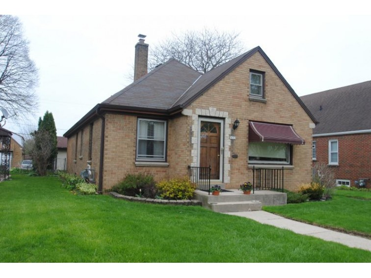 3610 S 14th St, Milwaukee, WI by The Stefaniak Group, Llc $169,900