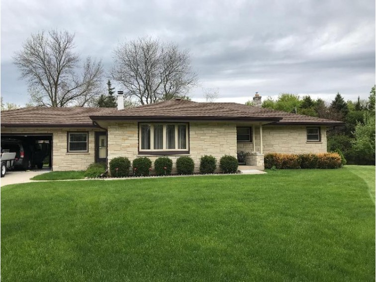 13635 Courtland Ave, Brookfield, WI by Non Mls $279,000