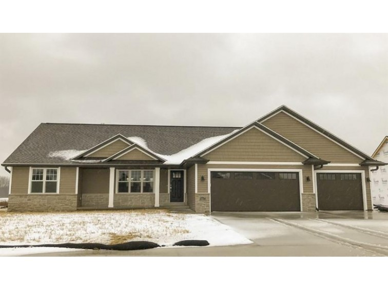 1756 Red Oak Street, Green Bay, WI by Shorewest, Realtors $309,900