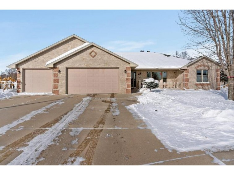 1385 Weatherstone Trail, De Pere, WI by Real Living Bay Realtors, Inc. $259,900