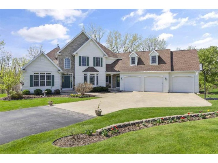 W8583 Quiet Lane Hortonville, WI 54944-9371 by Century 21 Ace Realty $499,900