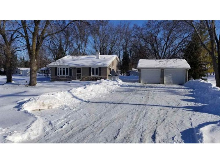 1436 Hwy O, Neenah, WI by Century 21 Ace Realty $159,900