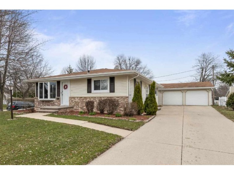 800 S Clara Street, Appleton, WI by Century 21 Ace Realty $169,900