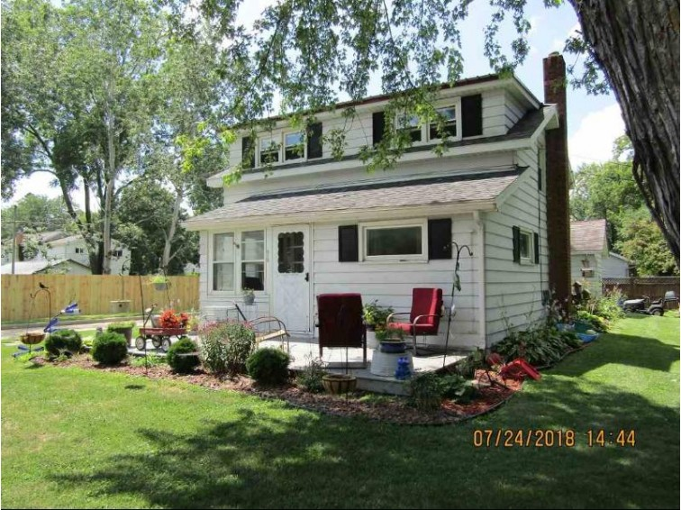 515 W Fond Du Lac St, Ripon, WI by Yellow House Realty $64,500