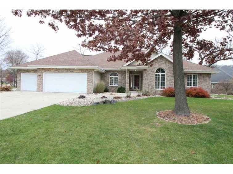 3915 Capella Dr, Janesville, WI by Shorewest, Realtors $354,900