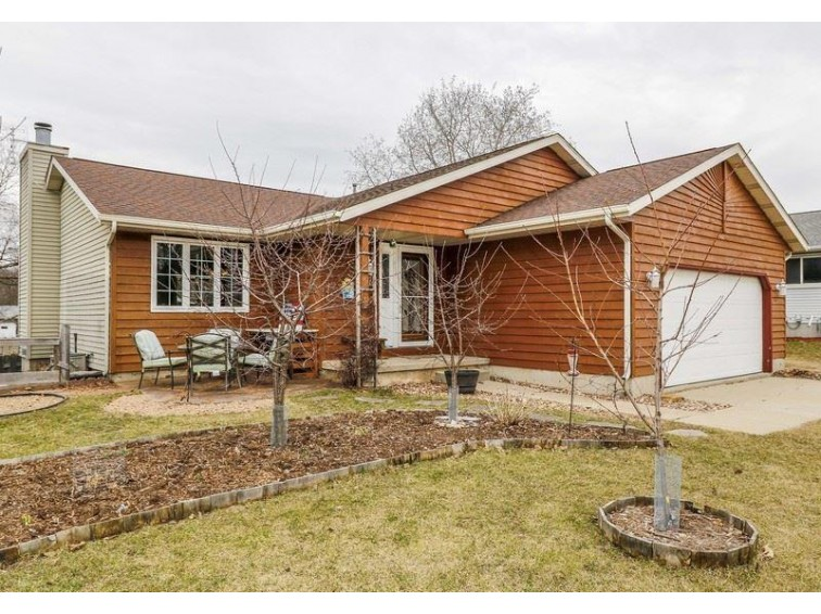 1614 S Thompson Dr, Madison, WI by Restaino & Associates Era Powered $274,900