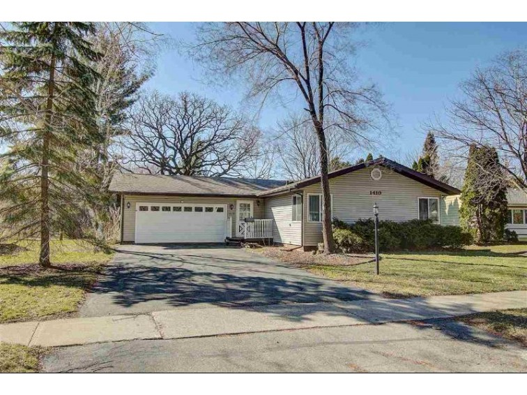 1410 Lynndale Rd, Madison, WI by Realty Executives Cooper Spransy $250,000