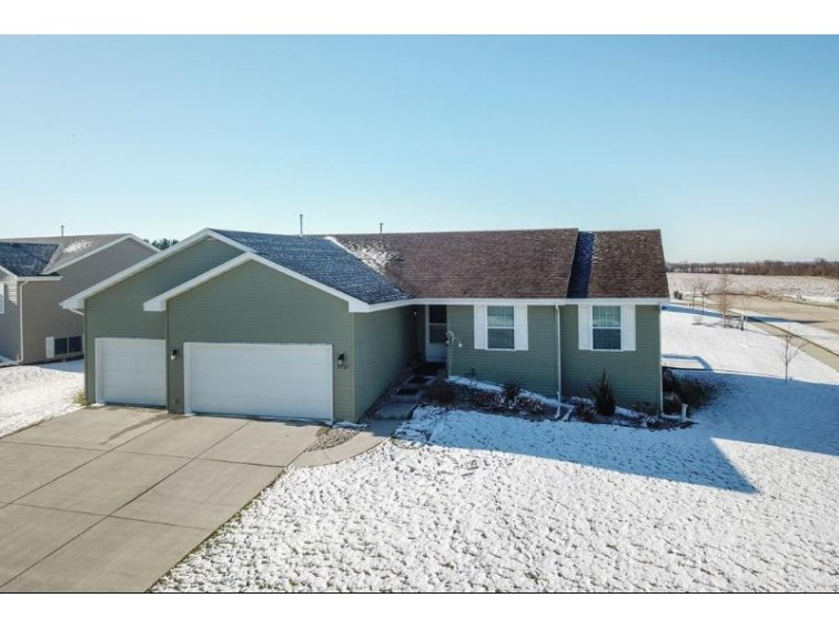 3727 Sunrise Ln, Janesville, WI by Century 21 Affiliated $259,900
