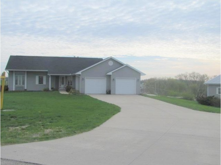 N7414 High Prairie Ln, New Glarus, WI by Century 21 Advantage $334,000
