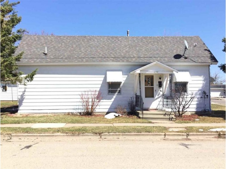 321 West Street, Stevens Point, WI by Coldwell Banker The Real Estate Group $62,900