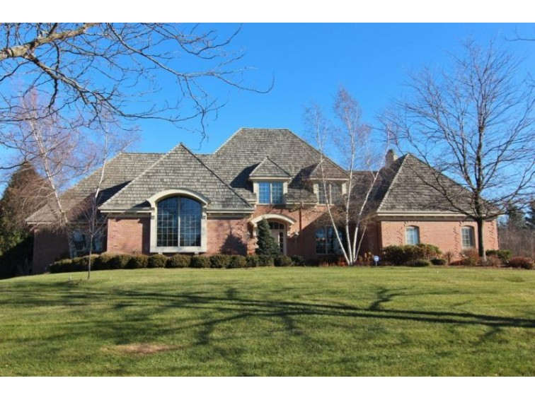 11414 N Justin Dr, Mequon, WI by Shorewest Realtors, Inc. $998,500