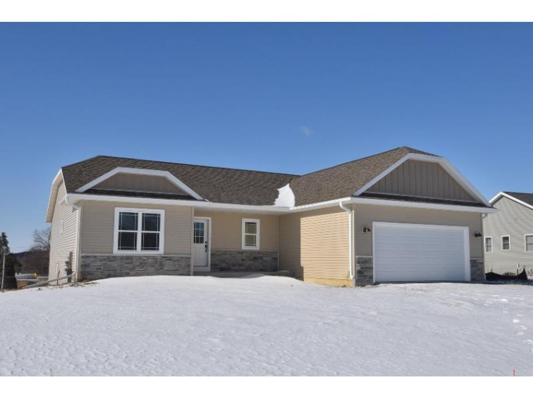 N633 Westview Dr, Oconomowoc, WI by First Weber Real Estate $295,000