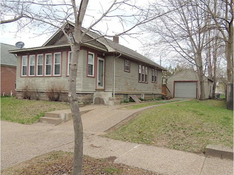 2535 14th St S, La Crosse, WI by Coldwell Banker River Valley, Realtors $124,900
