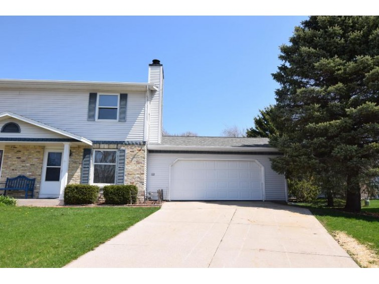 W245N6684 Bowling Green Ct B Sussex, WI 53089-2640 by Premier Point Realty Llc $169,900