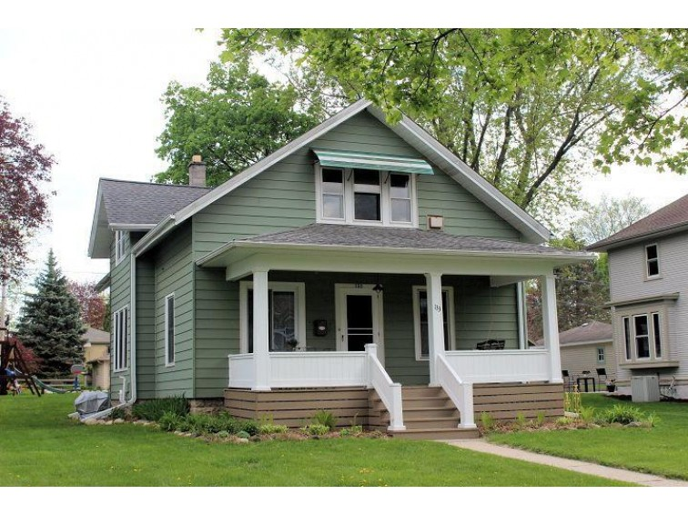 133 W Laflin Ave, Waukesha, WI by Realty Executives - Integrity $192,000
