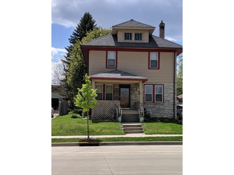 723 Summit Ave, Waukesha, WI by First Weber Real Estate $148,500