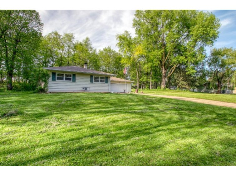 N70W39060 Foster Dr, Oconomowoc, WI by The Real Estate Company Lake & Country $264,900