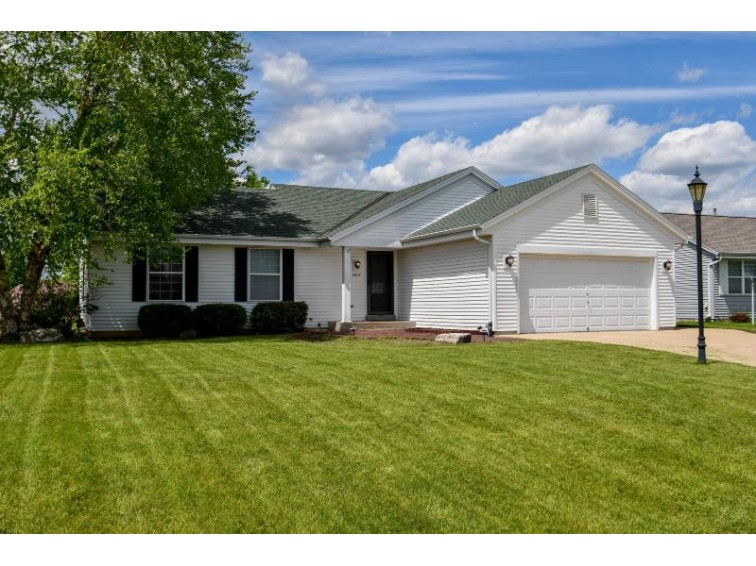 2604 N Sterling Cir, East Troy, WI by Realty Executives - Integrity $254,900