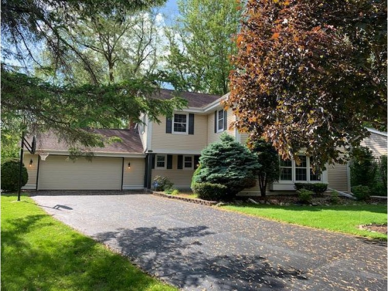 10317 N Provence Ct, Mequon, WI by Realty Executives Integrity~cedarburg $449,900