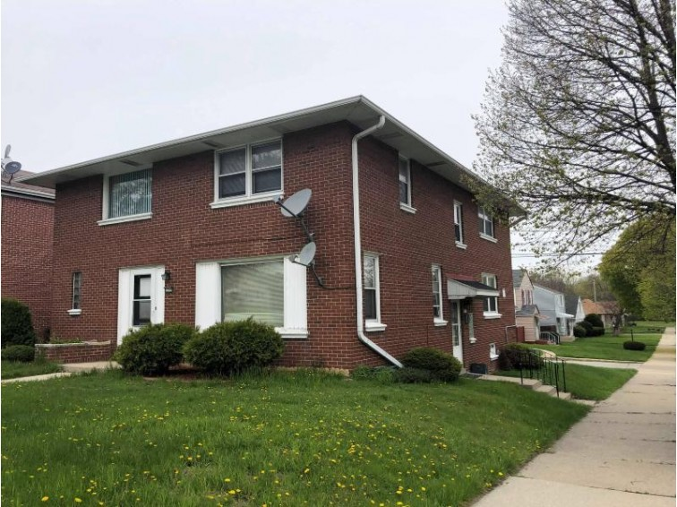 3300 W Oklahoma Ave 3087, Milwaukee, WI by Creative Results $220,000