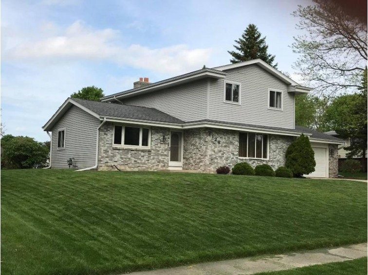 8128 S Mission Dr Franklin, WI 53132 by Ogden, The Real Estate Company $290,000