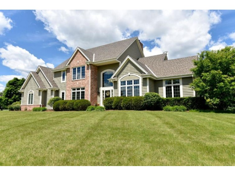 7848 W Knightsbridge Dr, Mequon, WI by Shorewest Realtors, Inc. $564,900