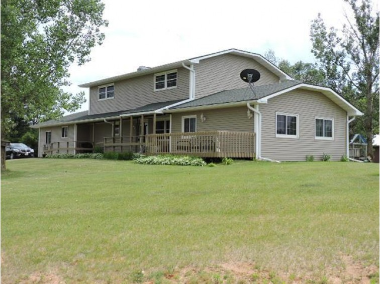 N2701 Retzlaff Rd Fort Atkinson, WI 53538 by Re/Max Preferred~ft. Atkinson $394,900