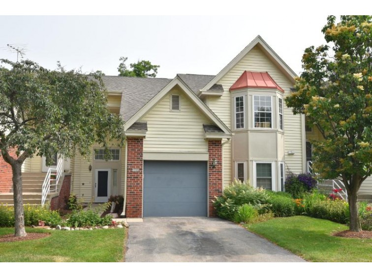 5278 S Acorn Ln, Greenfield, WI by Shorewest Realtors, Inc. $145,000