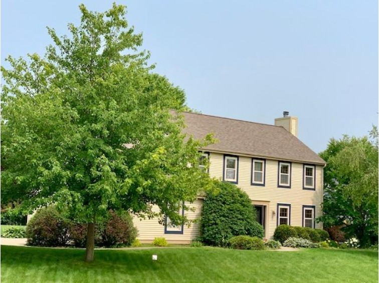 W246N5848 Partridge Ct Sussex, WI 53089-5035 by Encompass Realty-Lake Country $374,500