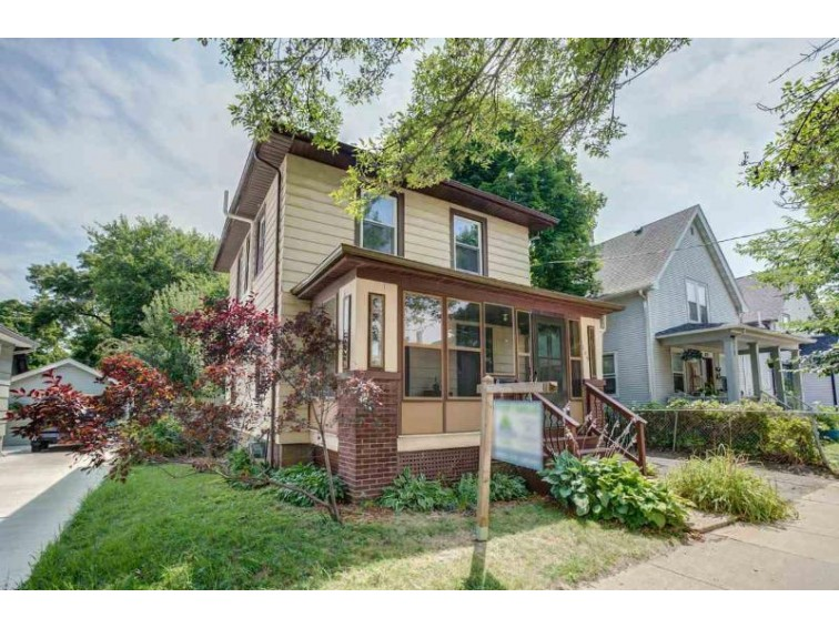 209 S Marquette St, Madison, WI by Lakepoint Realty $275,000