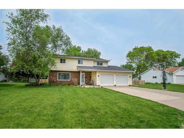 1540 Meadowlark Ln, Prairie Du Sac, WI by First Weber Real Estate $274,900