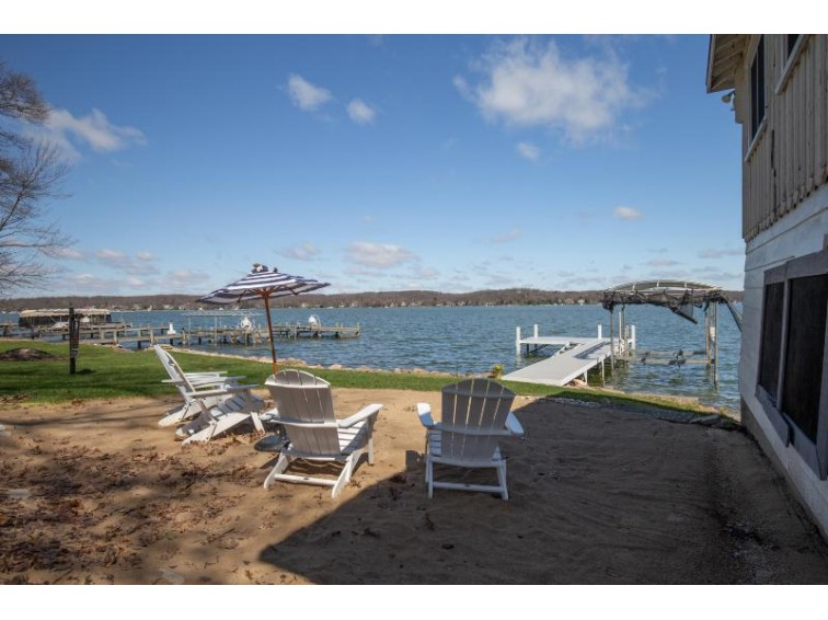 N23W28788 Louis Ave, Pewaukee, WI by Keller Williams Realty-Lake Country $1,265,000