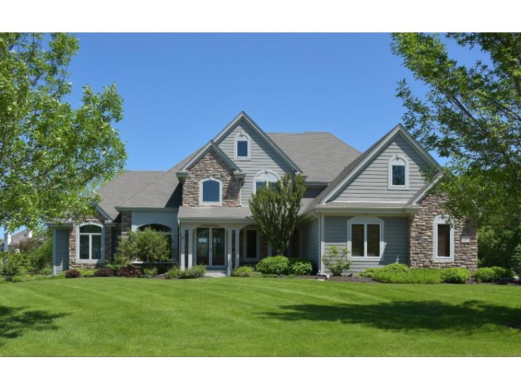 624 Southern Oak Dr Hartland, WI 53029-8008 by Patrick Bolger Realty Group $820,000