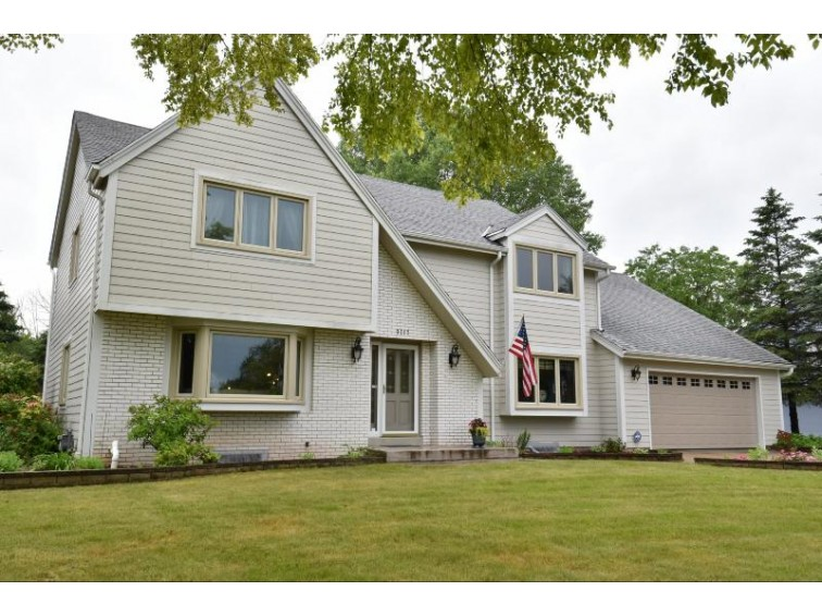 3717 W Sherbrooke Dr, Mequon, WI by Coldwell Banker Realty $469,000