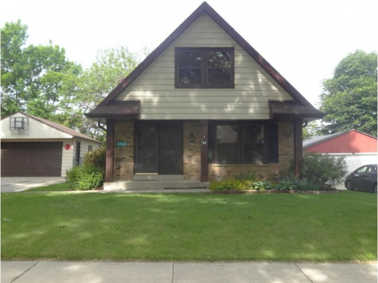 4275 S 22nd St 4275a, Milwaukee, WI by Homestead Realty, Inc~milw $219,900