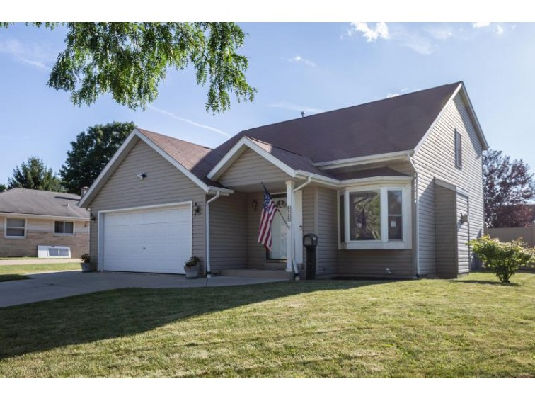 6725 N 90th St, Milwaukee, WI by Keller Williams Realty-Milwaukee North Shore $167,000
