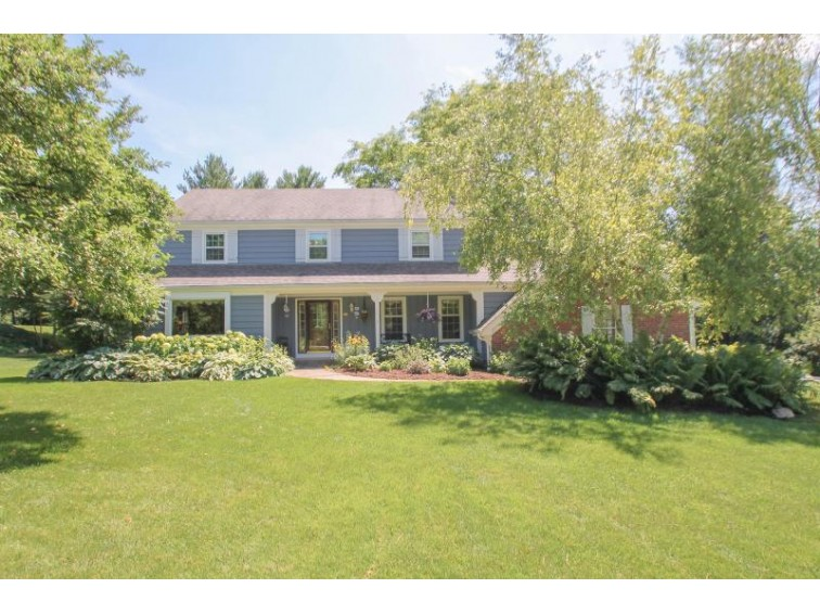N63W29893 Woodfield Ct Hartland, WI 53029-9212 by Redefined Realty Advisors Llc $424,900