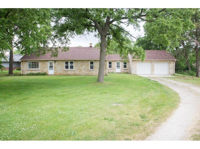 4450 S 68th St, Greenfield, WI by Realty Executives - Elite $159,900