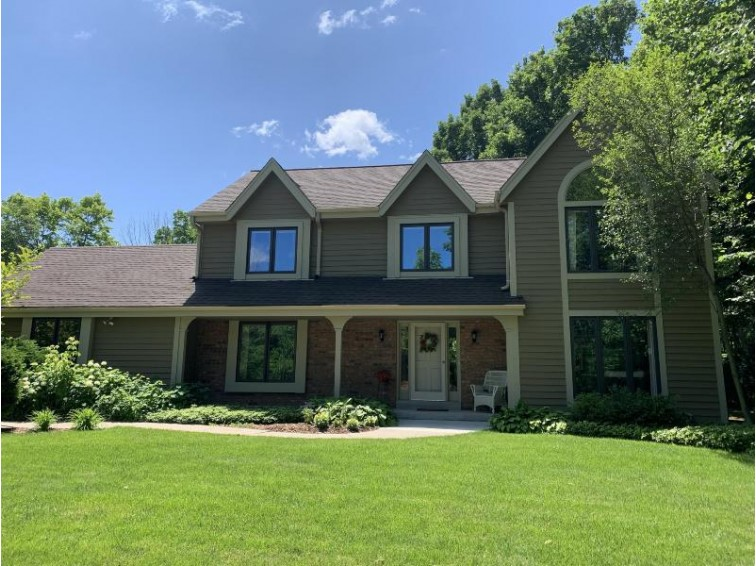 11547 N Mulberry Dr Mequon, WI 53092-3033 by Kaysen Realty Valuation, Inc $469,900